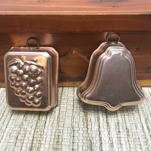 Lot Of 2 Small Jello Molds Grapes And Bell